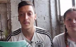 Mesut Özil'den örnek olacak hareket!