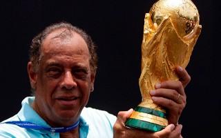 Brezilyalı Carlos Alberto yaşamını yitirdi!