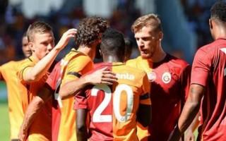 Galatasaraylı yıldıza taraftarlardan şok!