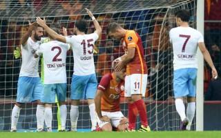 Soyunma odasına giderken Galatasaray için şok sözler!
