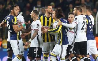 Fenerbahçe - Beşiktaş derbisinde kavga!