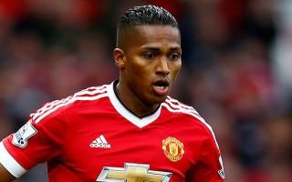 Valencia, 1 yıl daha Manchester United'da