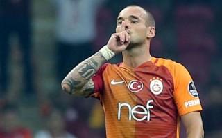 Sneijder derbide gol atarsa...