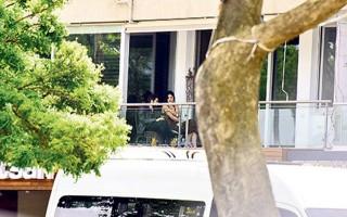 Deniz Çakır'ın balkon sefası