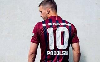Podolski yeni takımının formasıyla poz verdi!