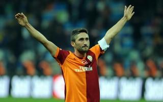 Sabri Sarıoğlu, Göztepe'yle 2 yıllık sözleşme imzaladı!