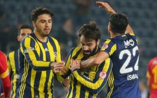 Fenerbahçe'den Galatasaray'a gidiyor! Sürpriz transfer...