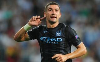 Guardiola, Kolarov'un yeni takımını açıkladı