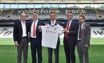 Anlaşma imzalandı! Beşiktaş'tan 36 milyon liralık gelir...