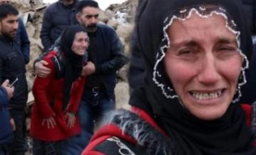 Yürek yakan feryat! Depremde kocasını ve 3 çocuğunu kaybetti