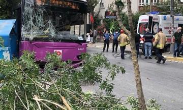 Avcılar'dan şok haber! Halk otobüsü kaza yaptı!