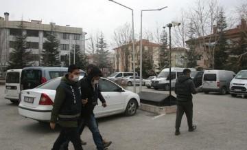 Afyonkarahisar'da çiğ köfteciye saldıran 2 kardeş tutuklandı