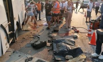 Manavgat'ta feci kaza! 3 kişi öldü, 5 kişi yaralandı