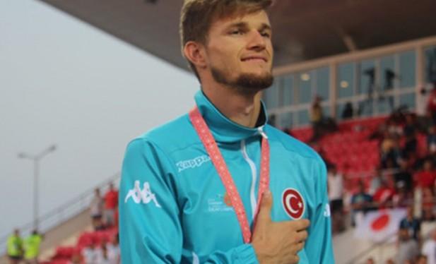 Milli sporcu Yasin Süzen, 400 metrede dünya şampiyonu oldu