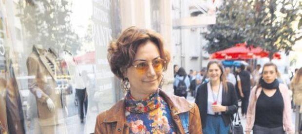 Uzun bir aranın ardından ekranlara fenomen dizi 'Eşkıya Dünyaya Hükümdar Olmaz' ile merhaba diyecek olan Sanem Çelik, önceki gün Nişantaşı City's'deydi.