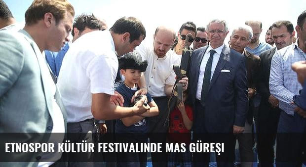 Etnospor Kültür Festivalinde mas güreşi