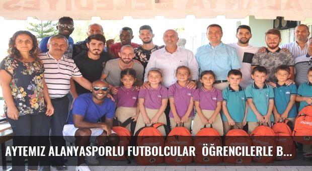 Aytemiz Alanyasporlu futbolcular  öğrencilerle buluştu