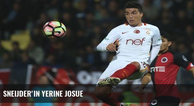 Sneijder'in yerine Josue