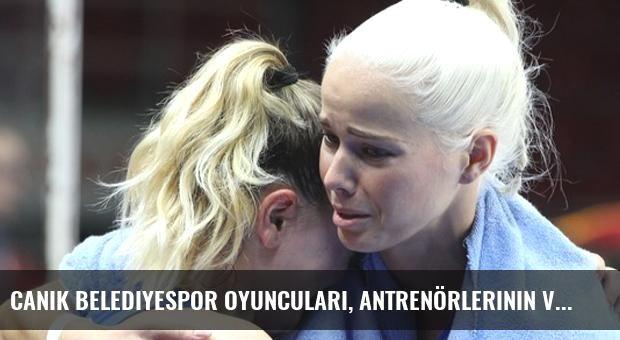 Canik Belediyespor Oyuncuları, Antrenörlerinin Vefat Haberiyle Yıkıldı