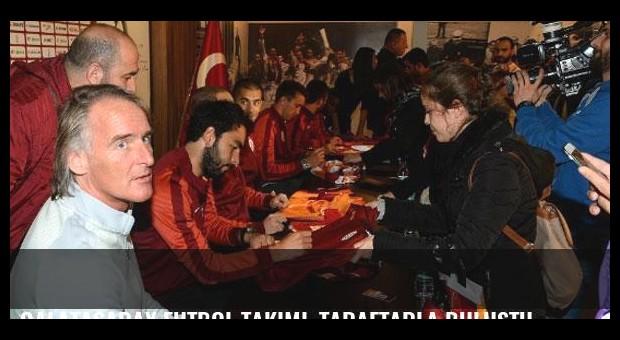 Galatasaray Futbol Takımı, taraftarla buluştu