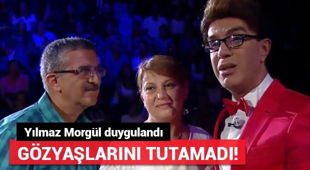 Tuğba Zambakkaya sahnede gözyaşlarını tutamadı!