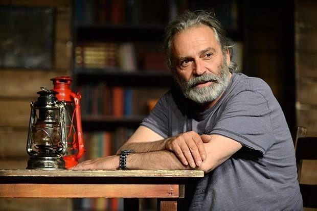 Son yıllarda yurtdışında çekilen dizi ve film projelerinde yer alan Haluk Bilginer, yeni bir diziyle Türk televizyonlarında seyirci karşısına çıkmaya hazırlanıyor.
