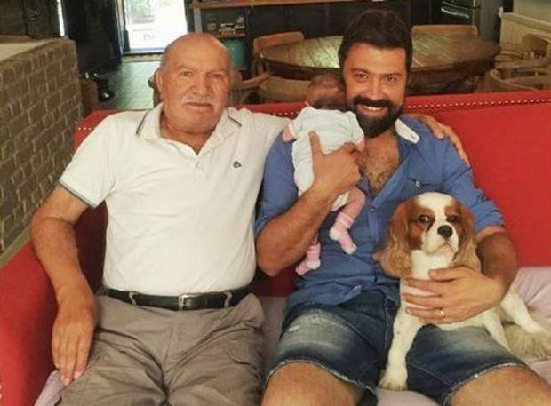 BKM oyuncularından Bülent Emrah Parlak'ın babası Sabri Parlak, hayatını kaybetti.