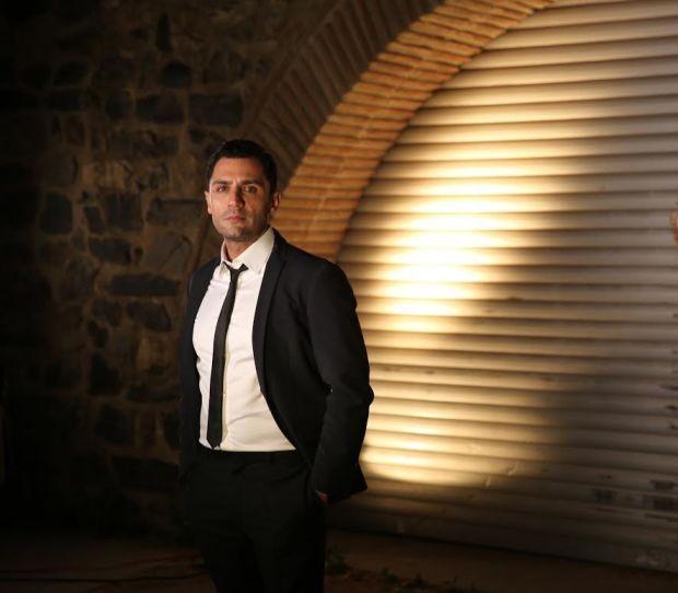 Ünlü şarkıcı Yaşar İpek büyük beğeni toplayan son single'ı Haybeye ile dijital platformlarda da büyük ilgi görüyor.  Dijital'de kısa süre de en çok indirilen parçalar arasında yerini alan 'Haybeye' single'ı ayrıca Youtube'da da yaklaşık 2 milyon izlenme rakamına ulaştı.