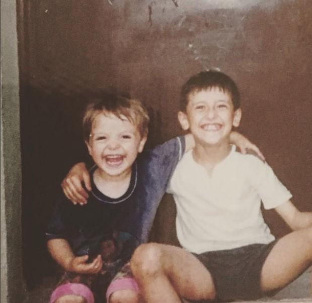 şükran ovalı caner erkinin çocukluk fotoğrafını yayınladı