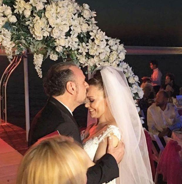 hakan aysev ve banu karaca evlendi