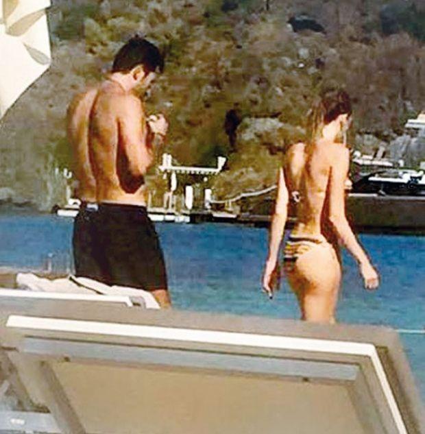 Sinem Kobal-Kenan İmirzalıoğlu çifti, tatil sezonu Marmaris tatiliyle kapatıyor.