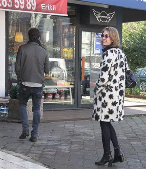 Yasemin Allen, İngiliz sevgilisiyle Etiler'de görüntülendi