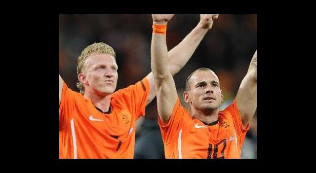 Sneijder ve Kuyt Kadroda