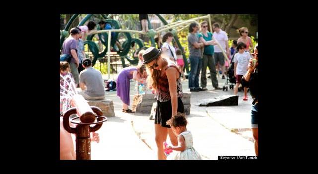 Beyonce ve Ivy Blue'nun Park Keyfi