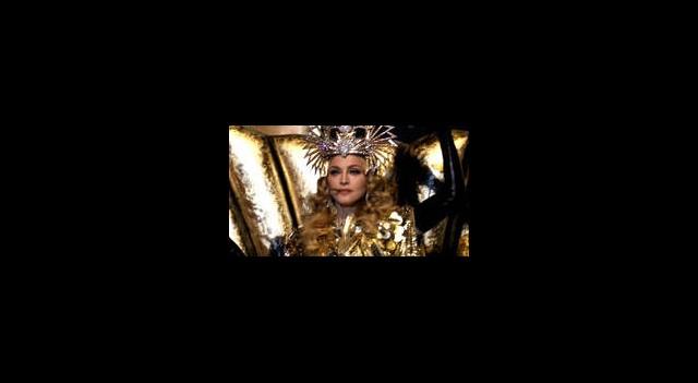 Kraliçe'den Muhteşem Şov