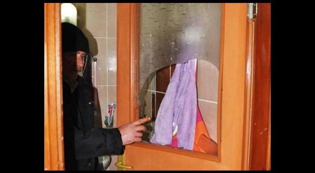 Gizlice evine girdiği genç kadını kemerle boğmaya çalıştı