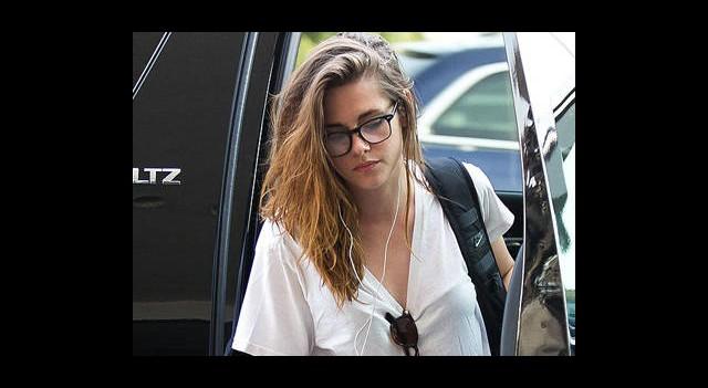 Kristen Stewart, Pattinson'ı Unutamadı mı?