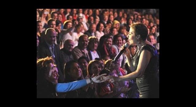 Nilüfer Konserlerle Moral Depoluyor
