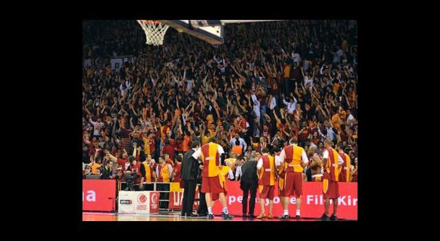 Galatasaray Haftayı Lider Tamamladı
