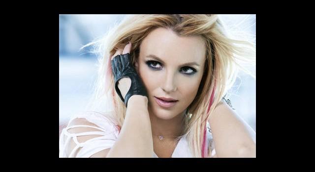 Britney Yine Dağıttı!