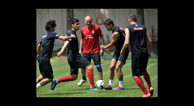 Galatasaray, Fenerbahçe Derbisinin Hazırlıklarına Başladı