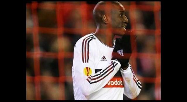 Demba Ba'dan kendisini eleştiren taraftara şok cevap!