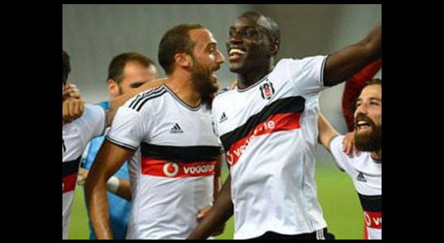 Beşiktaş iki kadroyla hazır