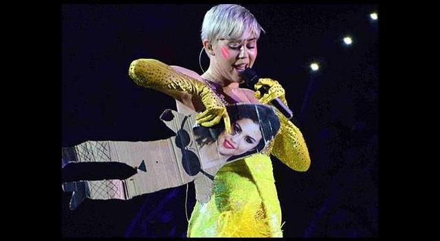 Selena'ya yapmadığını bırakmadı