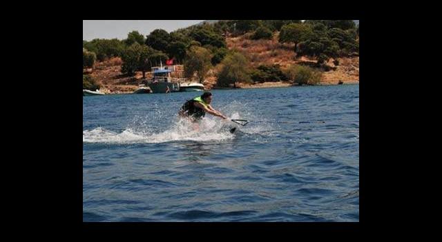 Hande Ataizi'nin Su Kayağıyla Sınavı