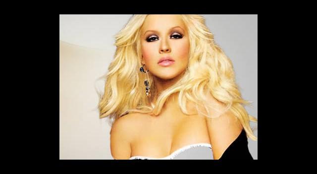 Aguilera'dan Muhteşem Dönüş!