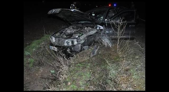 Alkollü sürücü kazaya yol açtı: 1 ölü, 2 yaralı