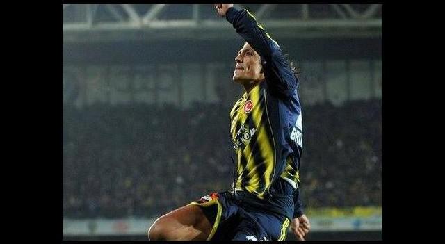 Fenerbahçe'nin yıldızından Galatasaraylıları çıldırtan tweet!