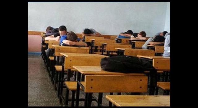 Bu sınıfta herkes uyuyor!