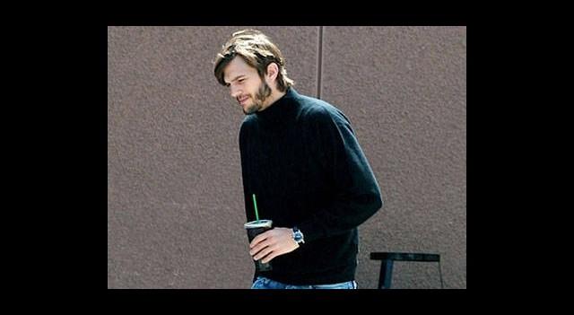 Ashton Kutcher Kime Benzemeye Çalışıyor?